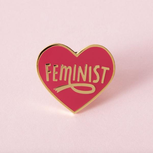 Feminist Heart Roze Pin