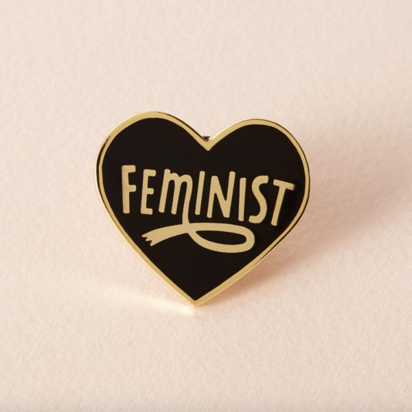 Feminist hart zwart pin